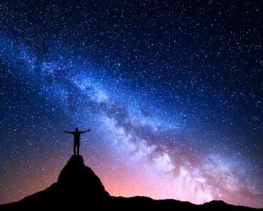 uniwersalne prawa wszechświata